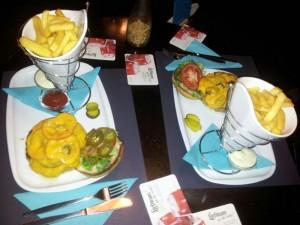 De beste homemade hamburgers van Rotterdam bij Poolcafé Delfshaven