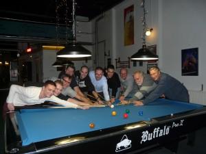 pasen-2016-rotterdam-groepsuitje-poolen-darten-eten