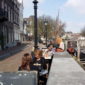 koningsdag-2015-terras-delfshaven-rotterdam